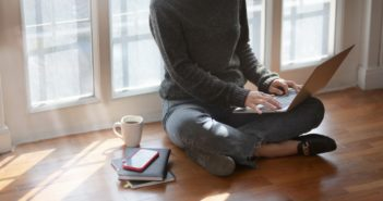 How to Keep a Healthy Lifestyle and Routine While Working from Home
